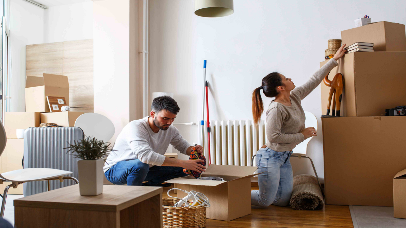 Pros and Cons of Shipping Existing Furniture to Your Expat Home in India