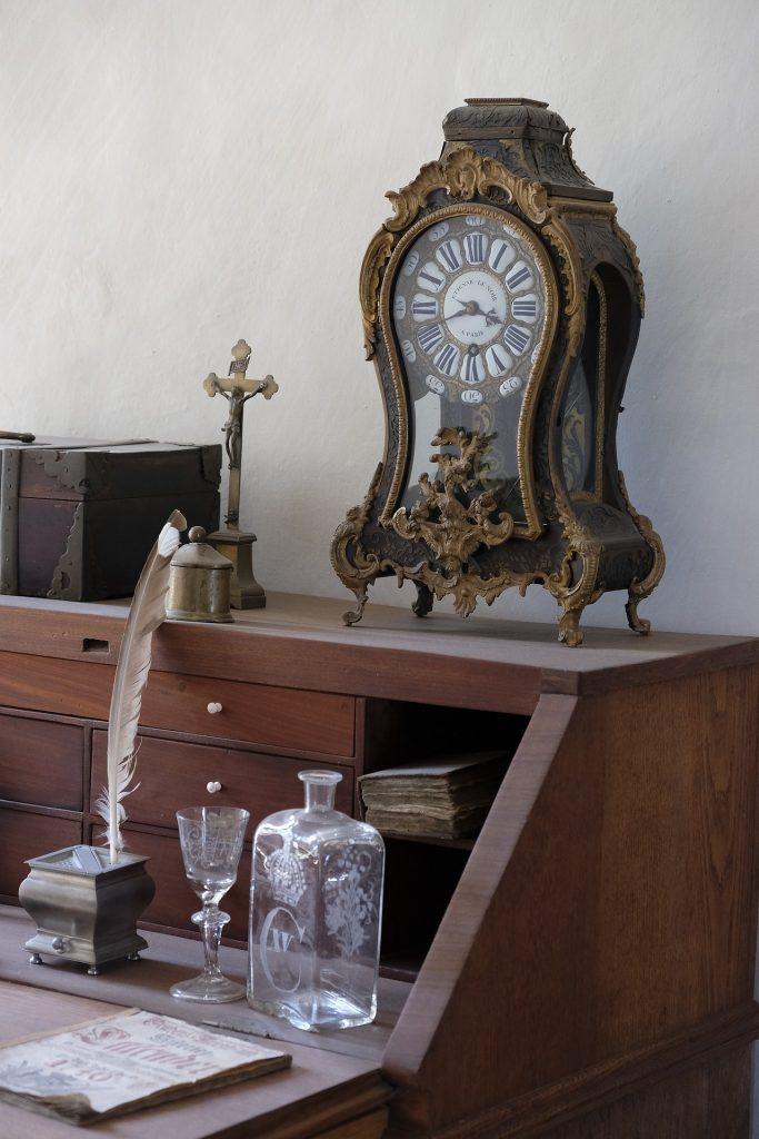 clock 2663147 1920