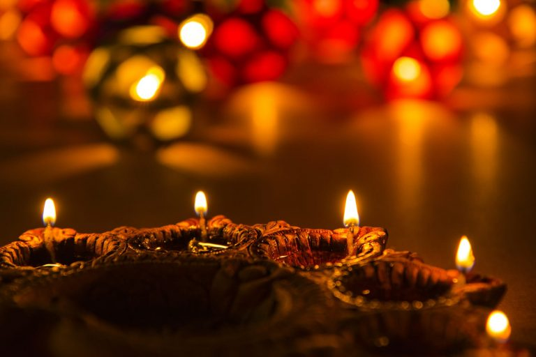 8 best ways to celebrate Diwali during the pandemic