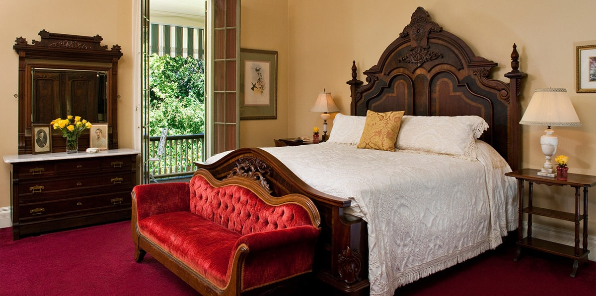 5 thoughtful questions that will guide you in buying a perfect bed for a soothing bedroom decor